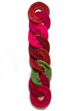 interlocking circle scarf. clever!