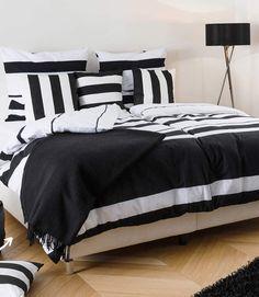 """»Cool Copper« Wunderbar wandelbar: Wieviel Potential in einem schlichten weißen Bett wie unserem Boxspring-Modell """"Ornella"""" steckt zeigen unsere vier Umstylings"""