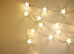 DIY Star Garland - Festive Ways to Use Christmas Lights Inside Your House - Photos Twinkle Lights, Twinkle Twinkle, String Lights, Star Garland, Light Garland, Diy Star, Christmas Lights, Xmas, Christmas Stars