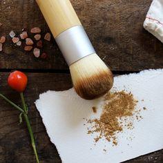 Bamboo Handle Kabuki Makeup Brush #naturalskincare #greenbeauty