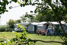 Kom kamperen in de zomervakantie en geniet van de vele faciliteiten die het park heeft te bieden. Kuilart - Friesland
