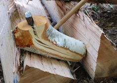 Splitting bent wood for spoon carving