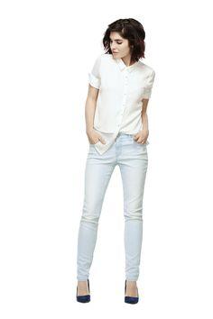 When it comes to denim love, we have more than just one crush. Meet the new Insider jeans. / Ah les jeans... il y en a toujours plus d'un qui nous font craquer. Découvrez les jeans Insider.