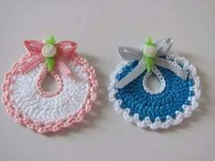 This post shows you how to Cro Crochet Motif, Crochet Designs, Crochet Baby, Free Crochet, Knit Crochet, Baby Shower Souvenirs, Baby Shower Favors, Crochet Gifts, Crochet Dolls