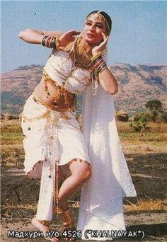 Злодей / Khal Nayak г. Vintage Bollywood, Indian Bollywood, Bollywood Stars, Bollywood Fashion, Sridevi Hot, Madhuri Dixit Hot, Beautiful Bollywood Actress, Most Beautiful Indian Actress, Indian Film Actress