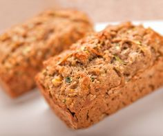 People with diabetes (either type 1 diabetes or type 2 diabetes) can eat carbs and bread, and DiabeticLifestyle has many diabetic bread recipes. Includes all nutritional information, including carb counts, to help diabetics eat well.