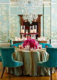 A Lesson In Dressing Your Table! The Best of home design ideas in - Interior Design Ideas for Modern Home - Interior Design Ideas for Modern Home Decoration Inspiration, Room Inspiration, Decor Ideas, Gracie Wallpaper, Painted Wallpaper, Dressing Your Table, Beautiful Dining Rooms, Chinoiserie Chic, Chinoiserie Wallpaper