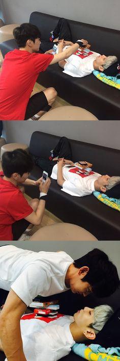 Minho readies to kiss his sleeping Jonghyun? - Latest K-pop News - K-pop News | Daily K Pop News