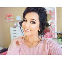 Beauty & Lifestyle Vlogger Twitter- @ciaoobelllaxo Snapchat- ciaoobellla_meg  mail for Business: Ciaoobelllaxo@aol.com ⬇️ Check out my videos!