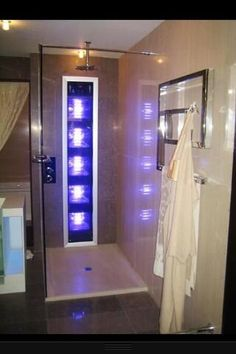 Tan while you shower? Oh yep, this is a must have! Tan Shower Tanning Bed Stand Up Home - Crafts Diy Home Future House, My House, Humble Abode, My New Room, My Dream Home, Home Interior Design, Sweet Home, New Homes, House Ideas