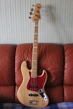 MIJ 75 reissue Fender Jazz Bass Fender Bass Guitar, Bass Ukulele, Super Bright Flashlight, Bass Guitar Lessons, Custom Electric Guitars, All About That Bass, Low End, Bass Amps, R&b Soul