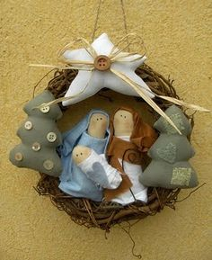 Nativity wreath made with fabric here but would be nice needle felted? Maybe different scenes? Christmas Nativity Scene, Nativity Crafts, Noel Christmas, Cute Crafts, Holiday Crafts, Christmas Wreaths, Christmas Decorations, Christmas Ornaments, Christmas Activities