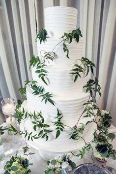 A Family-Focused Wedding in Atlanta | Brides.com #WeddingCake