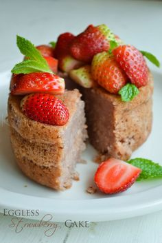 Eggless strawberry cupcake | Vegan strawberry cake | kurryleaves  Last year, for Rowan's birthday, I made strawberry cake (not for him but for everyone else) and I think I'd like to make it a tradition bc I love strawberry cake.