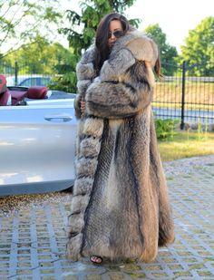 Fox Fur Coat with Hood Silver Chinchilla, Lynx, Long Fur Coat, Fur Coats, Fur Coat Fashion, Fabulous Furs, Fox Fur, Swagg, Coats For Women