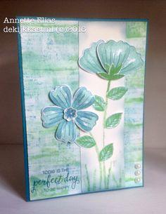 De Kijkkast: Tere bloemen met Bunch of Blossoms en Weathered Wash-techniek d-INKT!-sdag#22