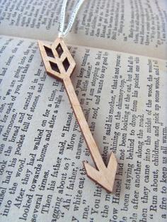 HALF PRICE Wooden pendant necklace - lasercut birch plywood arrow design on a…