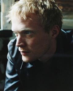 Huge choice of Paul Bettany posters! Handsome Actors, Hot Actors, Actors & Actresses, Beautiful Celebrities, Beautiful Men, Beautiful People, British Celebrities, A Knight's Tale, Paul Bettany