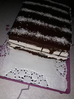 Kinder Pingui szelet receptje! Mióta kipróbáltuk, csak ezt a finomságot kéri a család! - Bidista.com - A TippLista! Cakes, Sweet, Desserts, Recipes, Dios, Mascarpone, Kids, Candy, Tailgate Desserts
