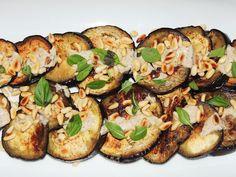 Aubergines grillées à la plancha, pignons et sauce tahini sumac