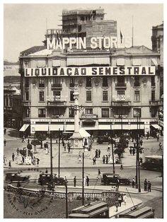 Antigo prédio do Mappin na Praça do Patriarca.