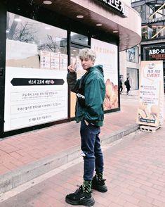 Jung Suk, Lee Jung, Korean Entertainment Companies, Chicken Pictures, Mass Effect, Pop Group, Album, Boys, Sunshine