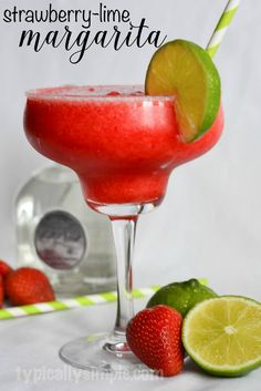 This strawberry-lime margarita recipe is easy to make and perfect for a day of relaxing on the beach or at the pool! A delicious strawberry-lime margarita recipe that is easy to make and perfect to enjoy while relaxing by the pool or at the beach! Drinks Alcohol Recipes, Cocktail Recipes, Alcoholic Drinks, Beverages, Frozen Margaritas, Frozen Drinks, Frozen Daiquiri, Strawberry Lime Margarita Recipe, Frozen Margarita Recipes