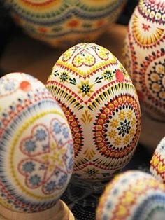 pysanky eggs- traditional Ukranian/Polish egg decorating!  #littlestyleeaster