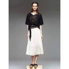 FORTE FORTE / TOP DEMI MANCHES AJOURE   Disponible sur : http://www.bymarie.fr/marques/forte-forte/top-demi-manches-ajoure-10124.html #forteforte #vetement #clothes #top #noir #black #dentelle #lace #boheme #coton #cotton #soie #silk #fashion #mode #paris #marseille #sainttropez #chic #bymariestore