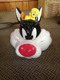 Sylvester  Tweety Bird Cookie Jar~