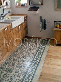 Source by The post zementfliesen_mosaico_koblenz_ha Kitchen Tiles, Kitchen Flooring, New Kitchen, Küchen Design, Floor Design, House Design, Carpet Design, Tiled Hallway, Stencil Painting On Walls