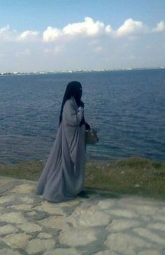 Muslimah at the Shoreside