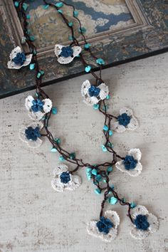 oya crochet necklace - I love the orchids! This is a crochet necklace I would wear !
