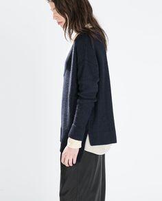 Image 2 de PULL COL EN V MAILLE DIAGONALE de Zara