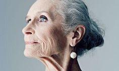 """""""Modèle"""" du genre, la sublime anglaise de 80 ans passés, Daphne Selfe."""