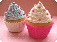 These cupcakes look too good to eat - the website has a great tutorial on how to make beautiful roses! Description from pinterest.com. I searched for this on bing.com/images