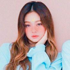Jennie[Blackpink] //cr; dooly