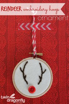 Embroidery Hoop Reindeer Ornament Tutorial - LOVE THIS!