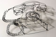 Martin Senn is a German artist who creates beautiful three-dimensional works using wire. Working the wire as if he was drawing with a pencil, Martin crafts simple and direct studies of the forms and compositions of everyday objects.