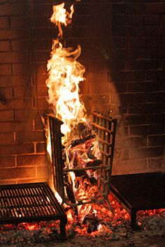 Fire oven at Camino in this post from fellow Chez Pannise alum David Lebovitz Barbecue Grill, Barbecue Four A Pizza, Diy Grill, Grill Oven, Grilling, Diy Outdoor Kitchen, Outdoor Oven, Outdoor Cooking, Asado Grill