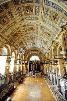 Pic Colin Lane The secrets of St George's Hall, Liverpool. The Great hall St George's Hall Liverpool, Liverpool History, Liverpool Home, St Georges Hall, Fantasy Town, Northern England, Southport, Bicycle Design, Amazing Nature
