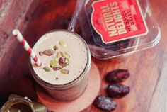Pistachio Date Shake (made with Almondmilk)