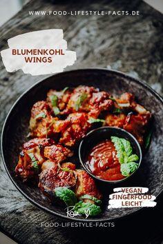 Vegane Buffalo Wings mit selbstgemachter Barbecue-Sauce sind einfach das perfekte Fingerfood – egal ob zum Fußballschauen, Grillen oder einfach zum Snacken. Sie gehen immer und sie dabei auch noch gesund und vegan! Here we go! Buffalo Wings, Finger Foods, Curry, Low Carb, Lunch, Ethnic Recipes, Vegane Rezepte, Don't Care, Healthy