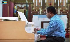 """thebahamasweekly.com - Bahamian Lee Callender featured among 11 world renowned pianists in """"United Pianos"""" video"""