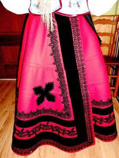 indumentaria tradicional en la montaña leonesa - Buscar con Google