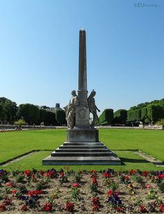 HD photographs of Jardin du Luxembourg free public gardens including its many different tourist attractions located in the Arrondissement of Paris. Luxembourg Gardens, Public Garden, Fountain, Tours, Outdoor Decor, French Style, Travelling, Beautiful, Blog