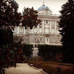El Palacio Real visto desde los jardines de Sabatini #Madrid #weekend #conocer #Historia
