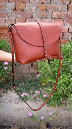 Gingerbread Big Stella, Chiaroscuro, India, Pure Leather, Handbag, Bag, Workshop Made, Leather, Bags, Handmade, Artisanal, Leather Work, Leather Workshop, Fashion, Women's Fashion, Women's Accessories, Accessories, Handcrafted, Made In India, Chiaroscuro Bags - 5