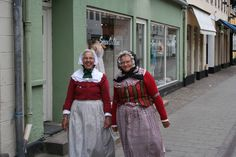 Two old Danish women in their traditional dress - Image courtesy - www.travelphotogallery.net