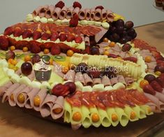 Tablas de Quesos 11 Pastry Shop, Cheese Platters, Food Cakes, Patisserie